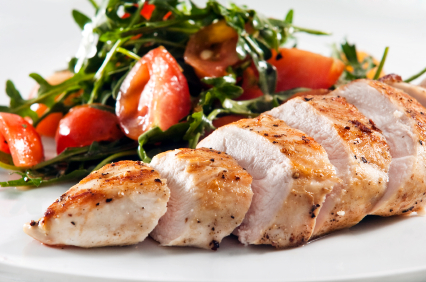 chicken_breast_with_salad